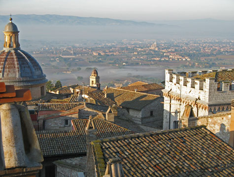 assisi italy tourist information and travel guide